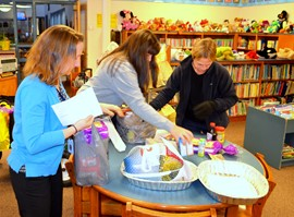 GMU's Backpack Program delivers Thanksgiving dinners to 20 families