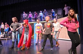 """Doo-Wop Wed Widing Hood"" Is the Junior Musical on Jan. 18 and 19!"