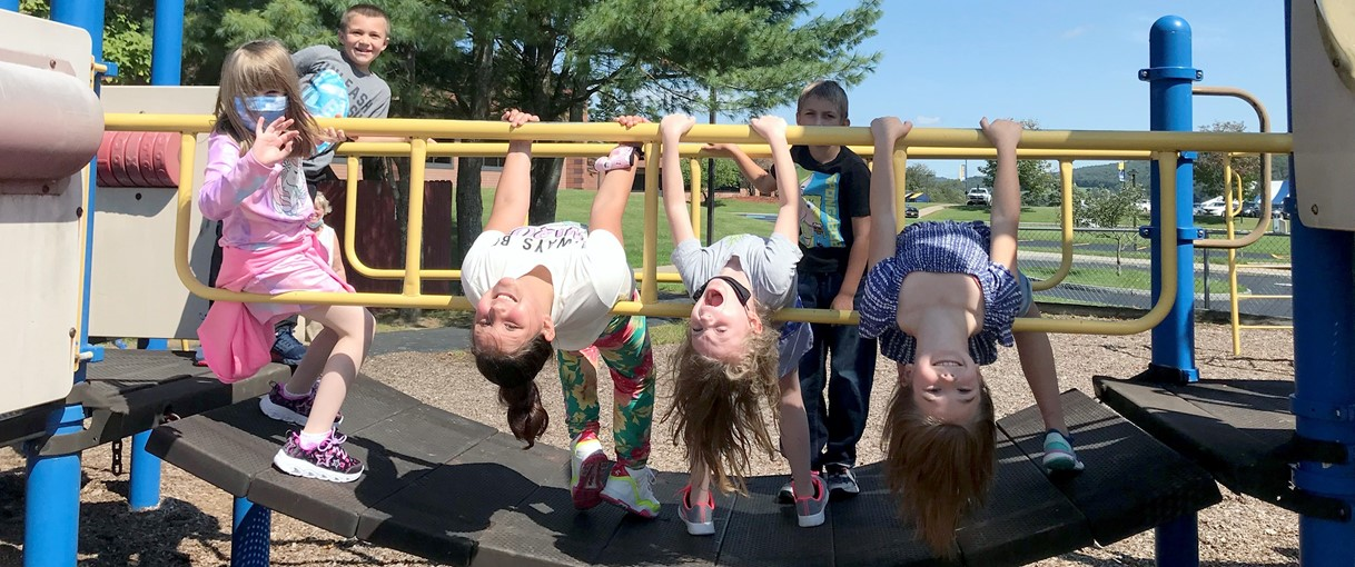 Students on jungle gym (9/2021)