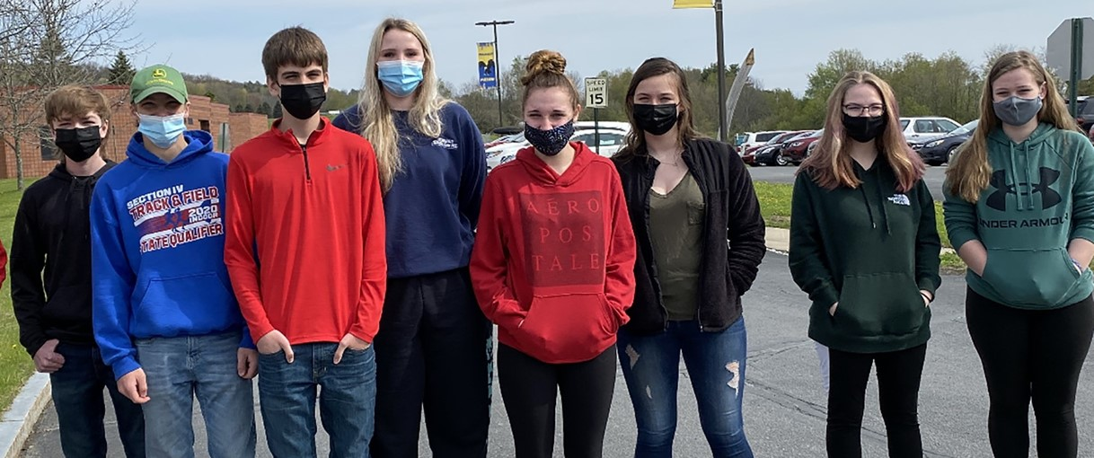 Algebra 1 students out for a walk (5/2021)
